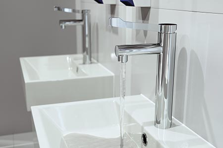 'Stylish yet practical' non-thermostatic taps